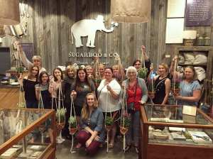 An Orlando macrame workshop is a great gift idea for mom